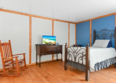 Suite 4 | Coyote Station Roundtop Texas