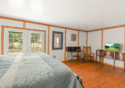 Suite 8 | Coyote Station Roundtop Texas